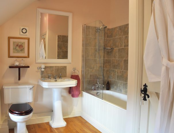 The Hayloft Bathroom with Shower